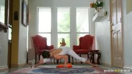Flexible yoga MILF Jenni Lee is fucked by her massage therapist
