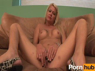240-CURVACEOUS COUGARS - Scene 1