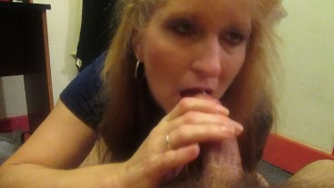 Queenmilf❤Gives Great Deep Throat And Takes Warm Cum On Her Face