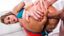 Horny big-ass & big-tit Nikki Sexx strips down for rough anal