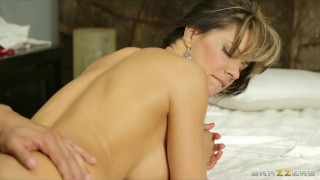 Busty Spanish babe Esperanza Gomez gets a deep tissue massage