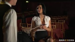 Stunning brunette waitress Jasmine Jae is taught how to squirt porno