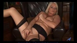 amateur hot mom porn
