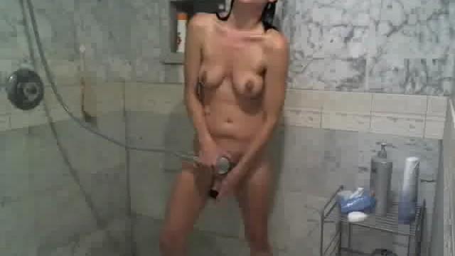 видео порно камера нарезка мастурбируют в душе