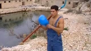 Bodybuilder outdoors hot wanking muscle