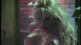 FemaleAgent мастурбация красотки получает агент возбужден