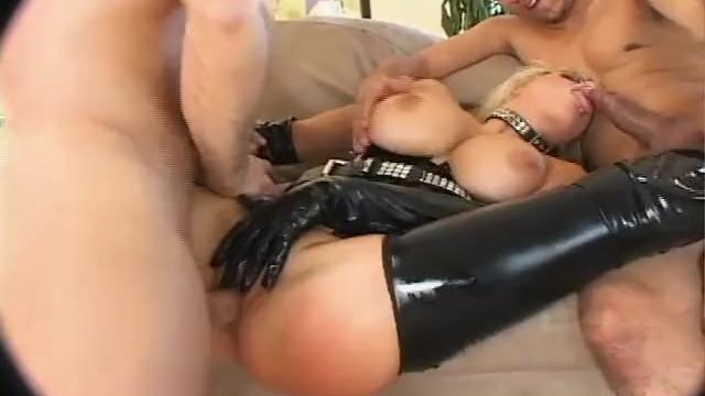 Foot Fetish Delight With Ariella Ferrera and Lynn Vega