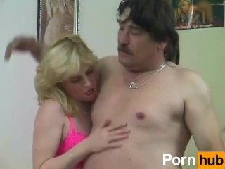 Captain Willy's Hot Amateur MILFS 01 - Scene 1