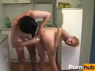 Captain Willy's Hot Amateur MILFS 01 - Scene 3