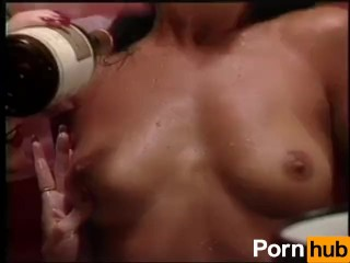 Salope se fait baiser par deux mecs excitant pour sexe femme