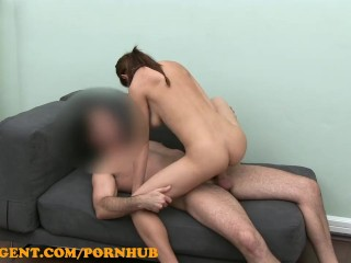 FakeAgent Flexible young girl in casting