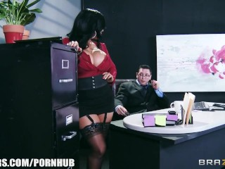 Big-tit lingerie clad assistant kiara mia fucks her boss at work