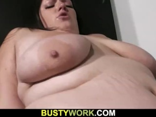 He lures fat chick into sex