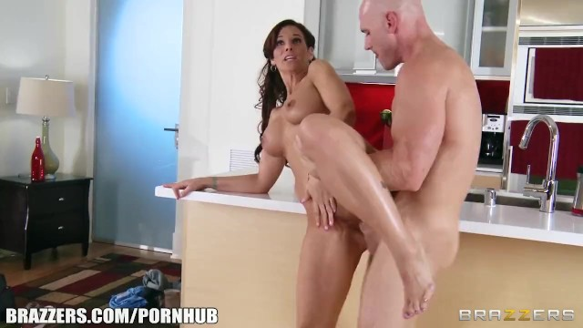 New ground hentai fuck the plumber Syren de mer calls in a plumber to fix her sink fuck her ass