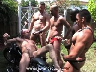 Homofil piss orgie