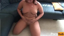 Red hed milf likes the warm cu