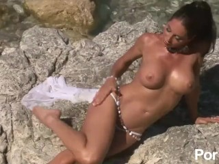 Pantyhose Suck Job Outdoor Milf Showing Off Her Tits - Julia Reaves, Amateur Big Tits