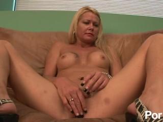 Porn Girl Sex Com Fucking, 240-CURVACEOUs COUGARS- Scene 1 Big Tits Masturbation MILF