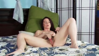 Amateur Milf Annabelle Lee fingers her hairy pussy