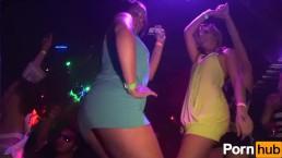 MIAMI BEACH PARTY - Scene 7