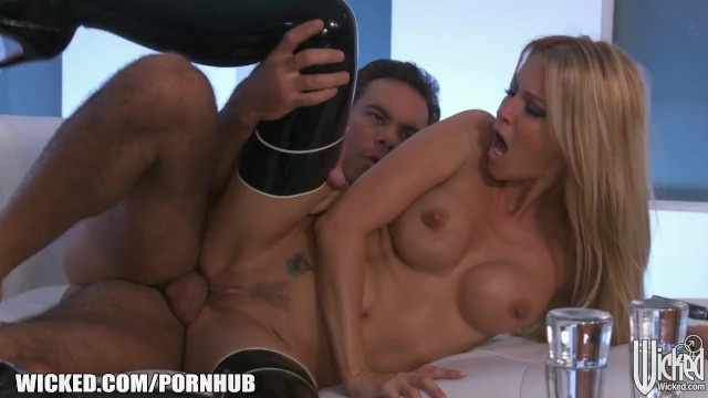 Erica elyson nude pictures - Jessica drake strips out of her latex outfit before anal