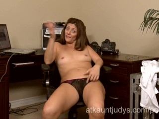 Brooklyn decker hot scene milf alicia silver opens up her pussy during this camshow, mom mother mast