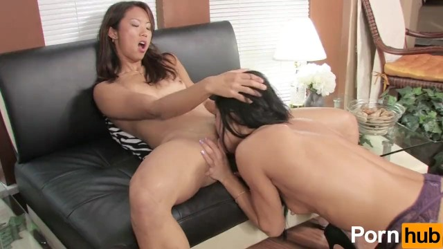 Pussie girl open anal