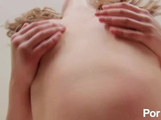 Young masseuse gives great happy ending