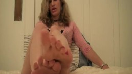 Sexy feet by Abby to tantalize you