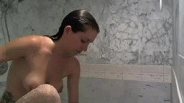 WEBCAM: Shower And Shave Show