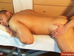 Arab straight guy getting wanked by a gay guy !