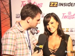 PornhubTV Lisa Ann Interview at 2012 AVN Awards