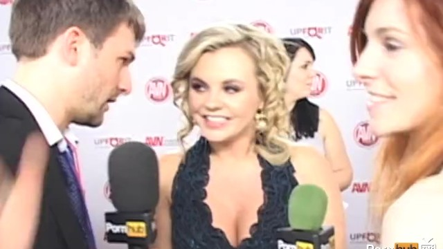 PornhubTV Marie McCray Bree Olson Red Carpet 2012 AVN Awards