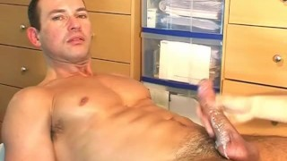 A cute swimmer guy get wanked ! Guy huge