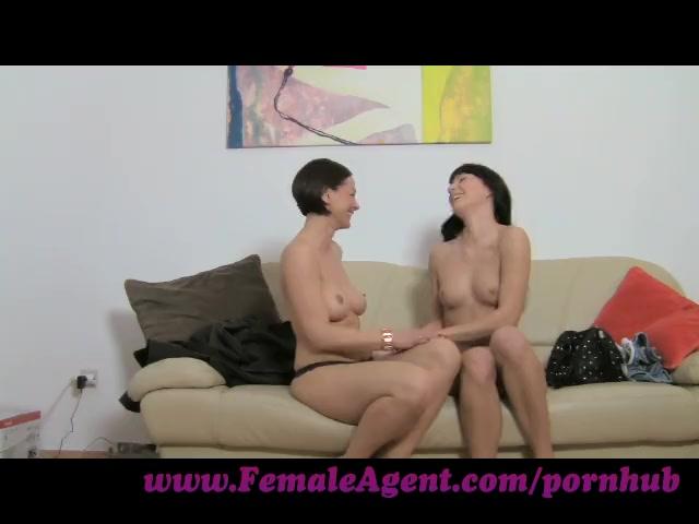 FemaleAgent. A spark of lesbian desire