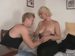 Matures and coeds anal1