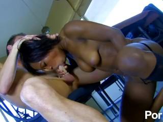Hot ebony escort fucks her client silly