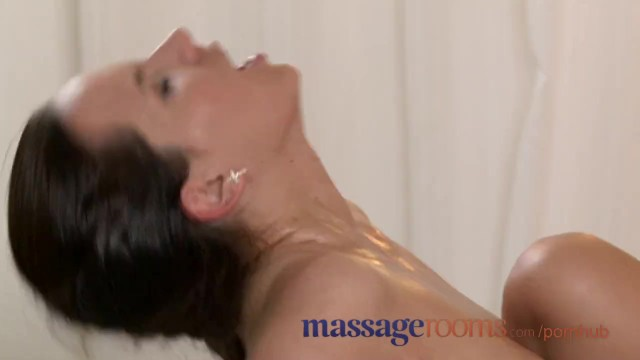 Women sex dido - Massage rooms big boobs beauty gets very wet with orgasmic ecstasy