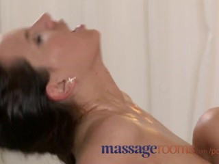 Massage Rooms Big boobs beauty gets very wet with orgasmic ecstasy