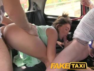 Трахаются в такси фото 102-667