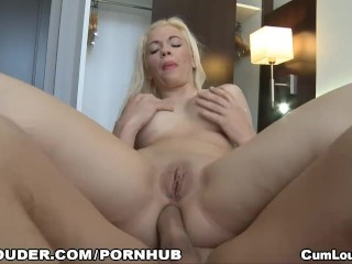 A sexy babe fucking by the ass again because she wants her little