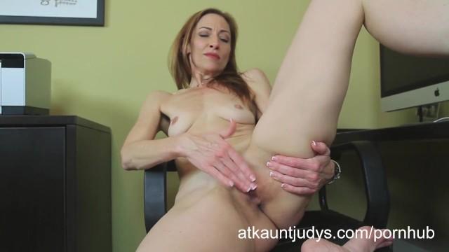 Skinny milf porn vids