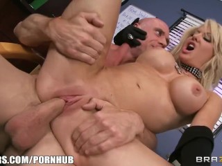Sexe Amateur Brandi Belle Slutty blonde paitent begs her doctor to give her some hard dick