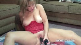 Curvy housewife Liisa fucks a big black dildo