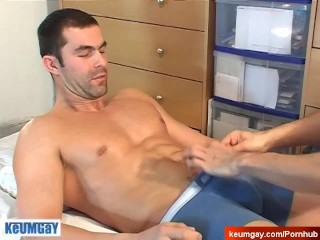 Real french straight guy get wanked in spite of him!