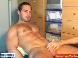 Enzo, a real straight guy get wanked is huge cock ba a gay guy