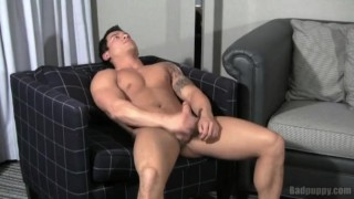Emmitt De Luca Brunette muscle