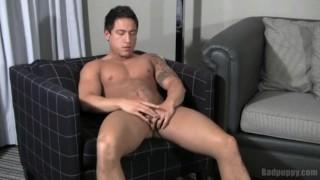 Emmitt De Luca Jerking queervids.com