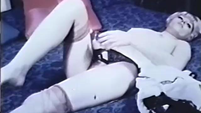 Spanish blondie seduces dumb guy