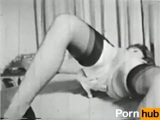 Girls nude . com